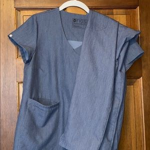 Figs small top with small yola bottoms in chambray
